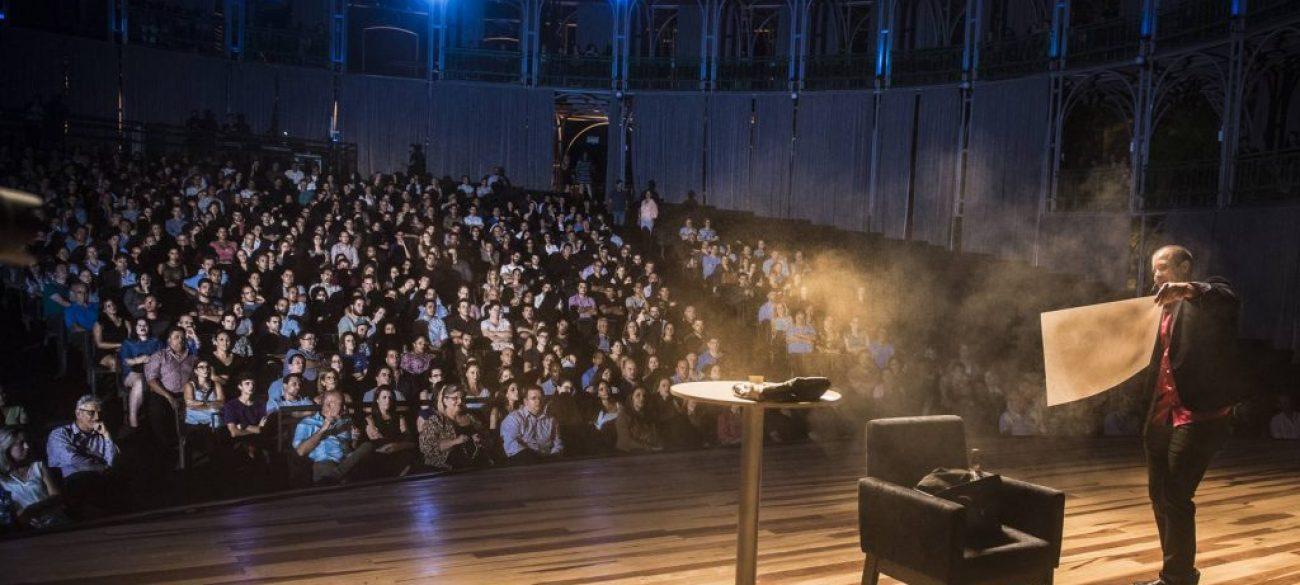 Shoe em palco magico Jeff Aragon